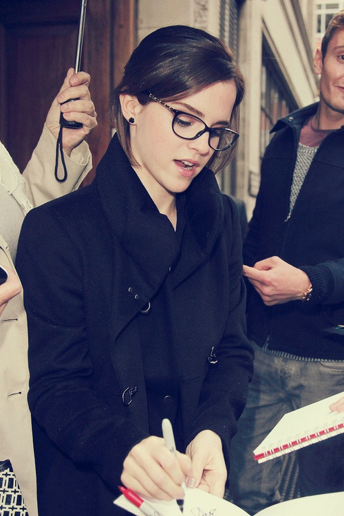 Emma Watson in Glasses | That's Pretty Ace