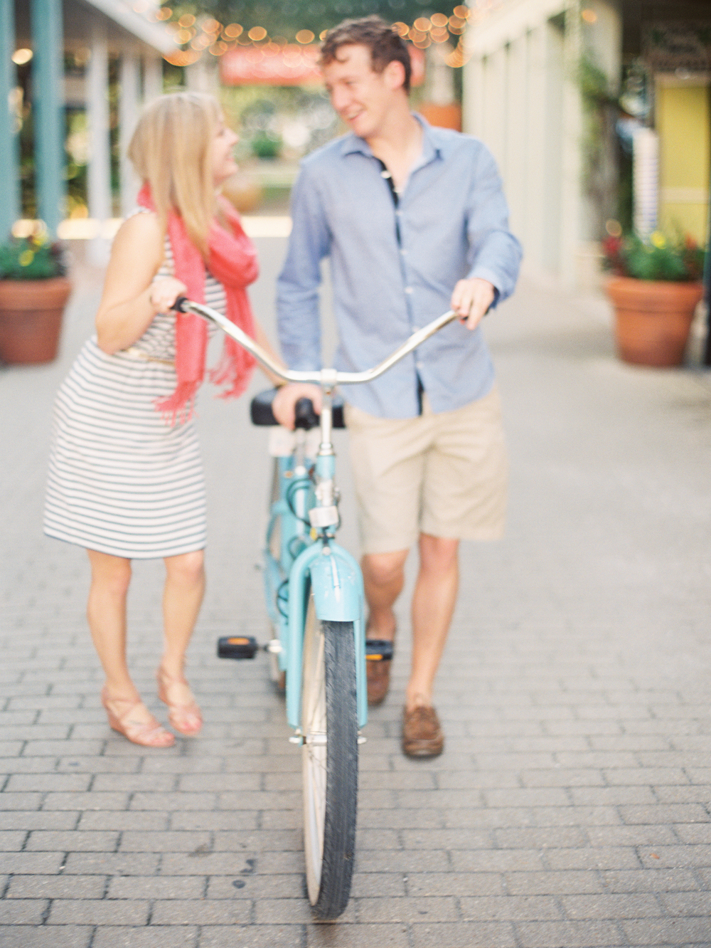 Engagement Pictures by Lauren Kinsey | That's Pretty Ace