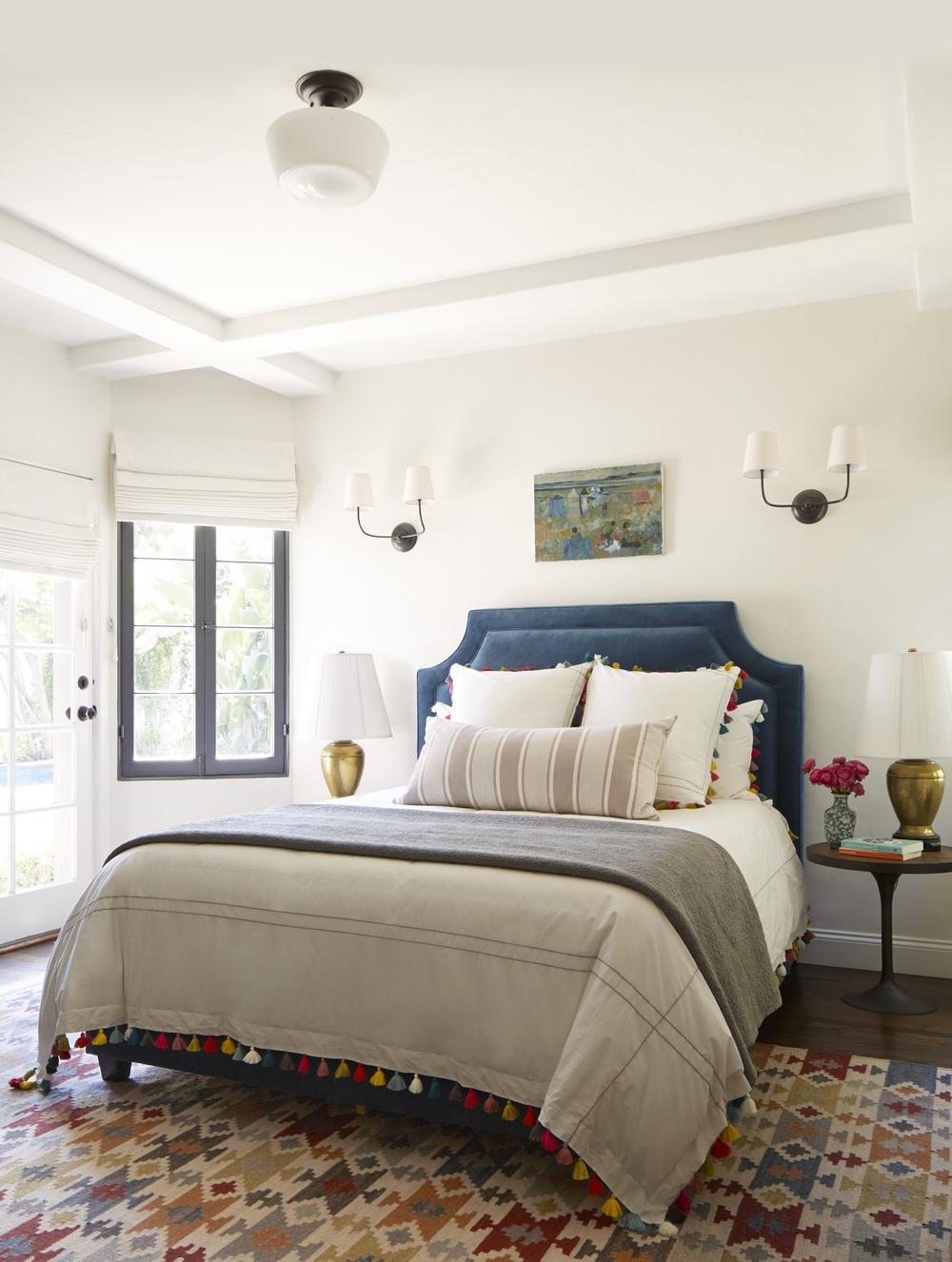 eclectic-guest-room.jpg