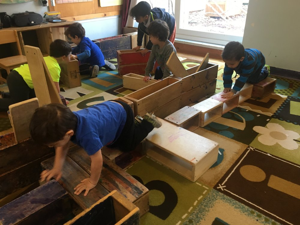 Building, drama and cooperative play -