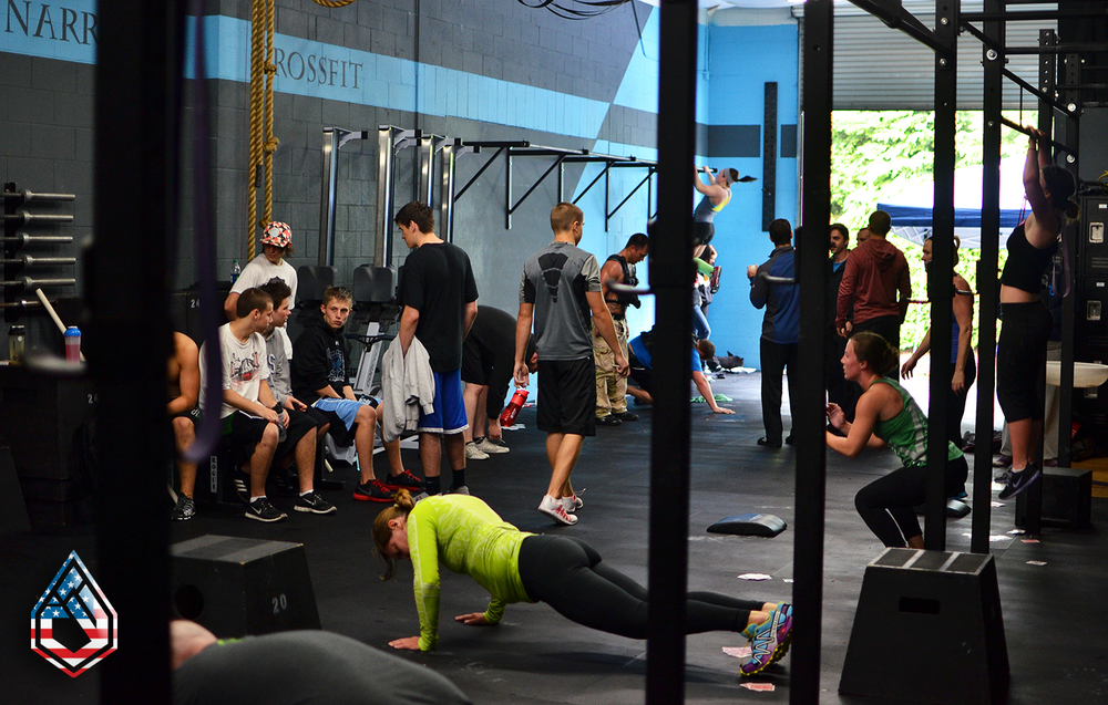 Murph 2013, Lots of CrossFitters, itty bitty living space.