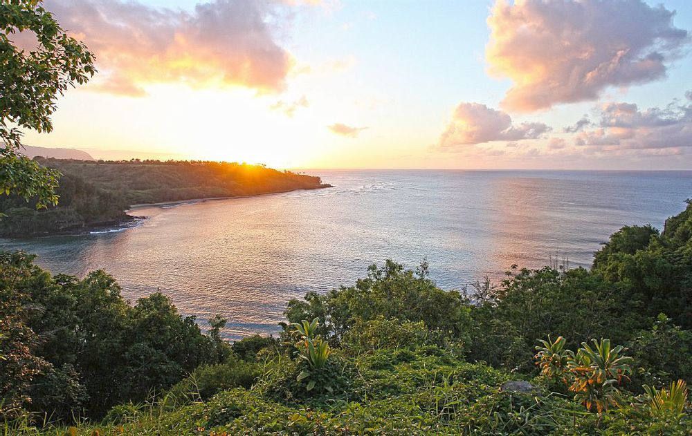 Kaohe Sunset View House {photo from VRBO}