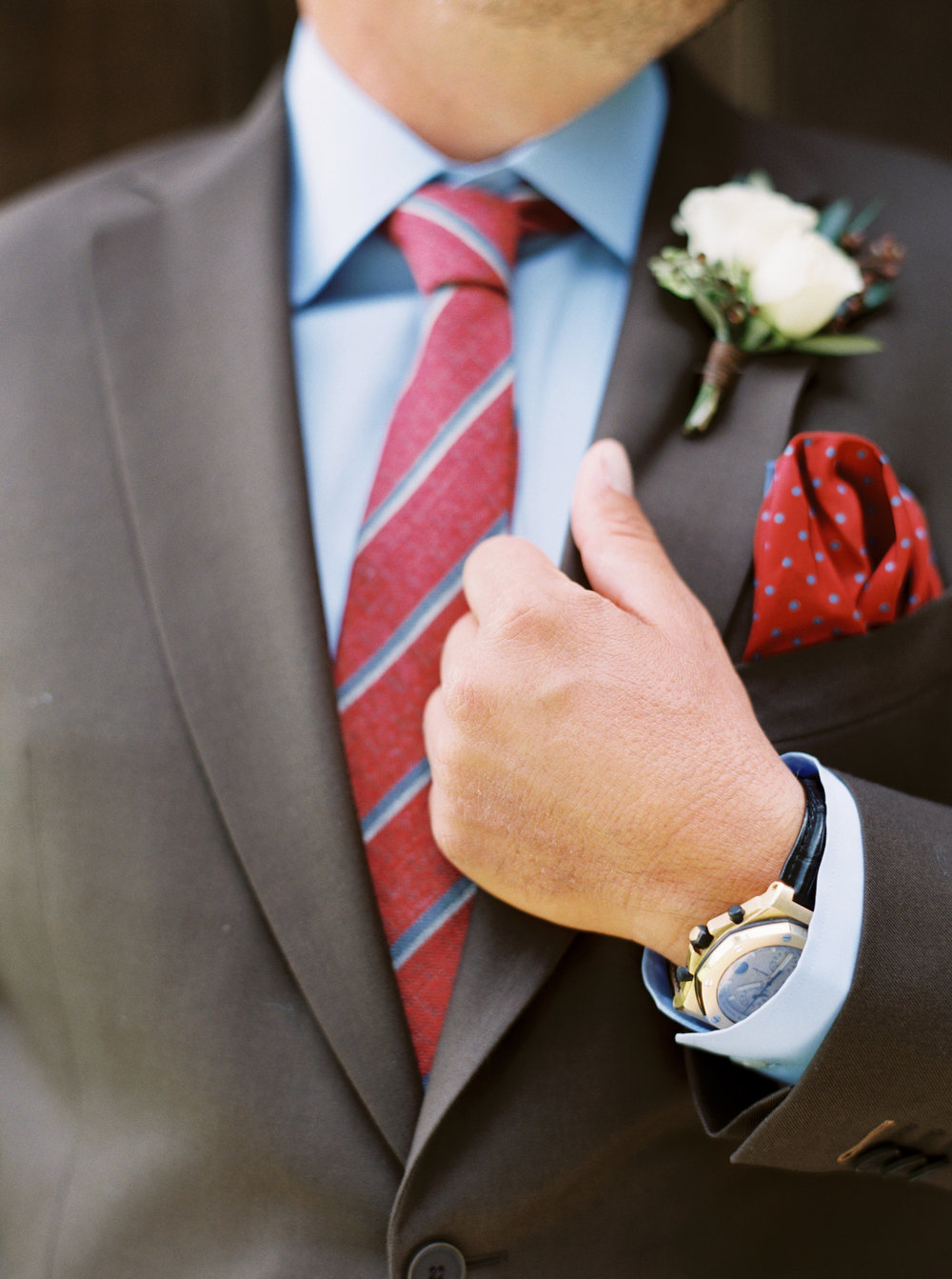 Groom_Getting_Ready-2.jpg