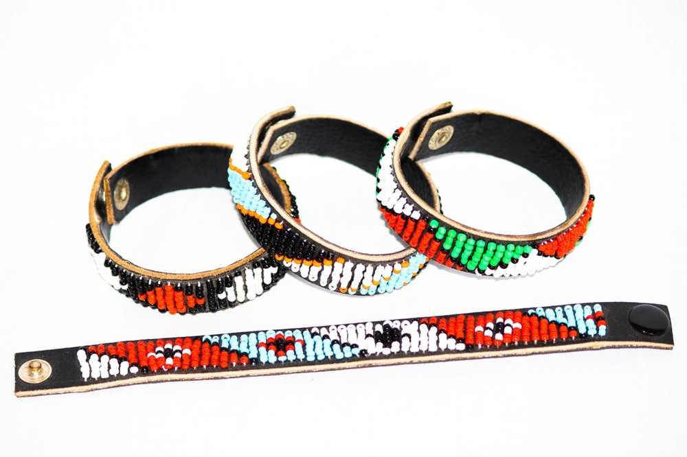 Bracelet leather with small beads made by Maasai Family.jpg
