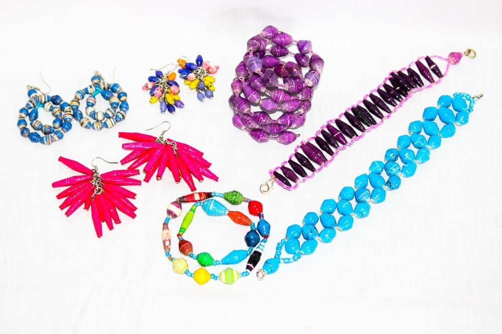 Recycled paper jewelry made by Chako.jpg
