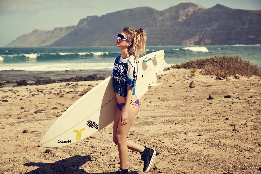julia_kennedy_surfer_girl_05.jpg