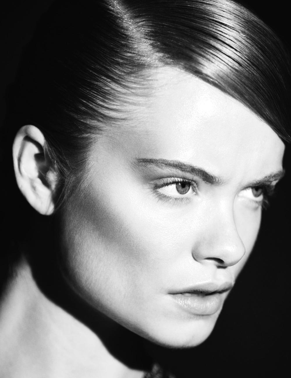 julia_kennedy_wonderland_dior_beauty_01.jpg