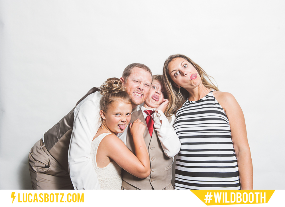 MN_Photobooth_wildbooth_St._Paul_Town_and_Country_Club-19.jpg