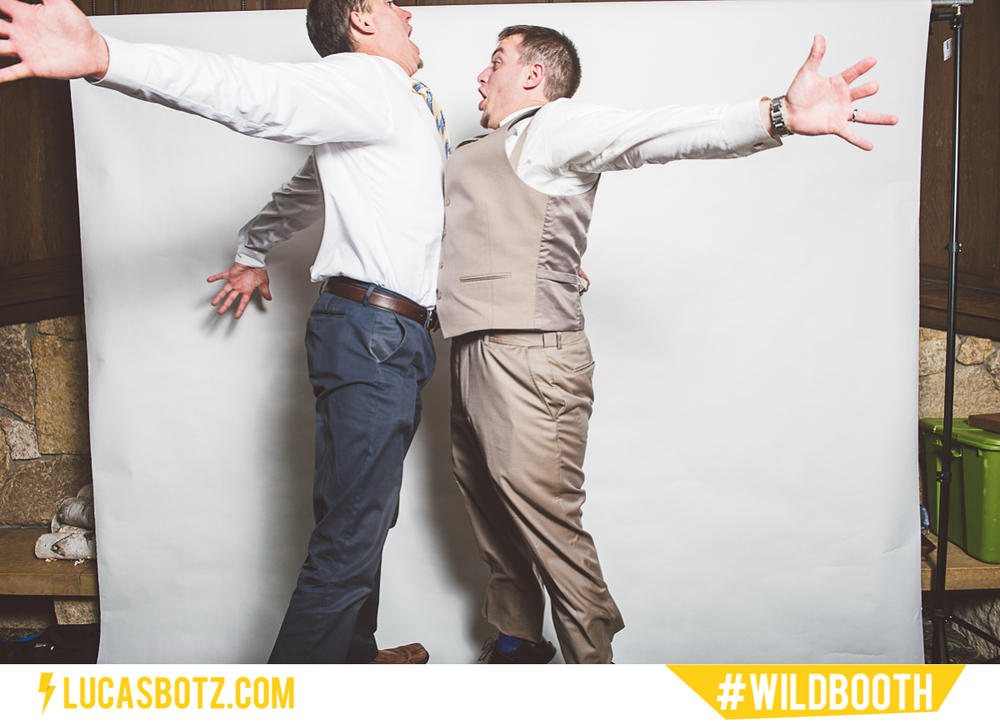 MN_Photobooth_wildbooth_St._Paul_Town_and_Country_Club-18.jpg