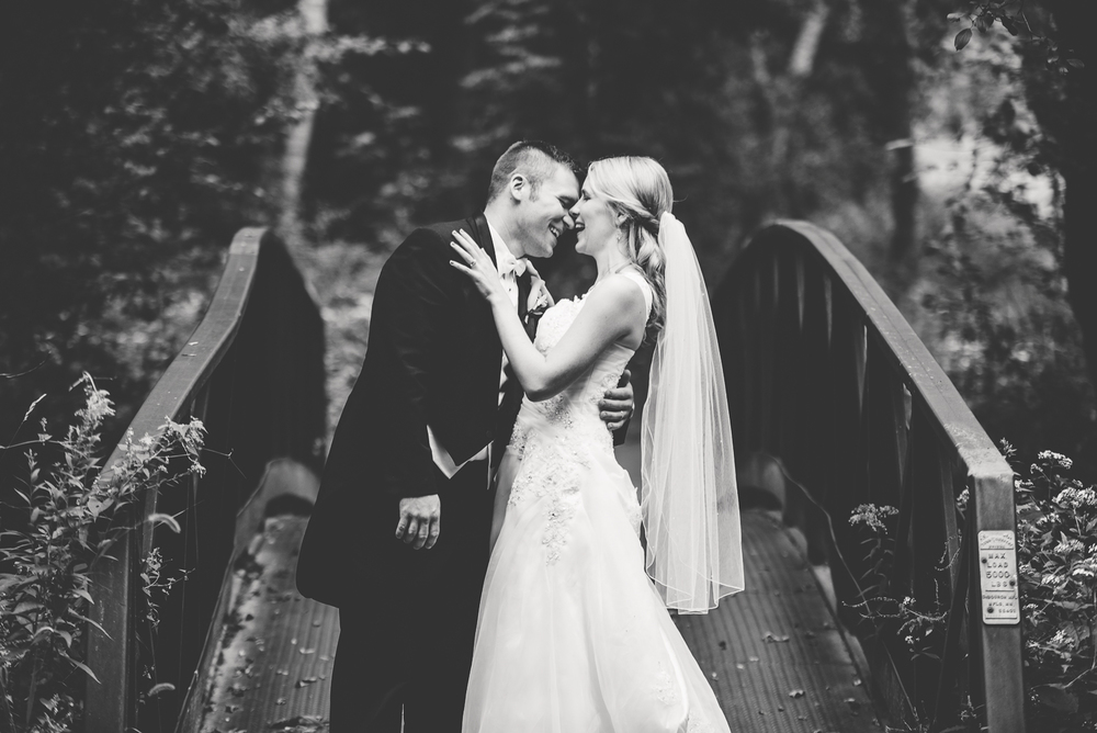 Minneapolis Wedding Photographer Lucas Botz_001.jpg