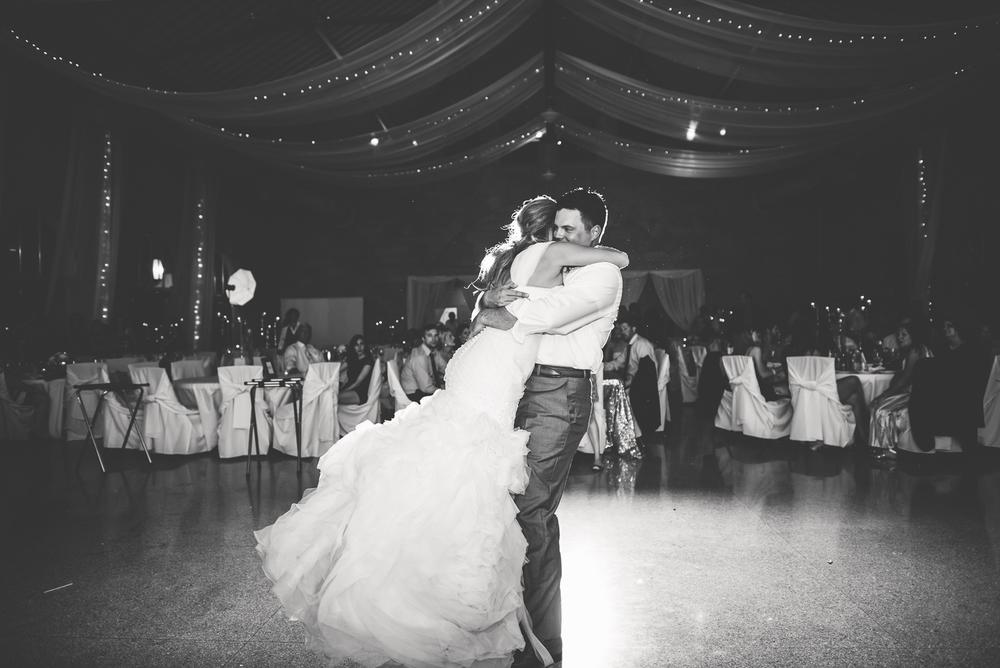 Minneapolis Wedding Photographer Lucas Botz_048.jpg