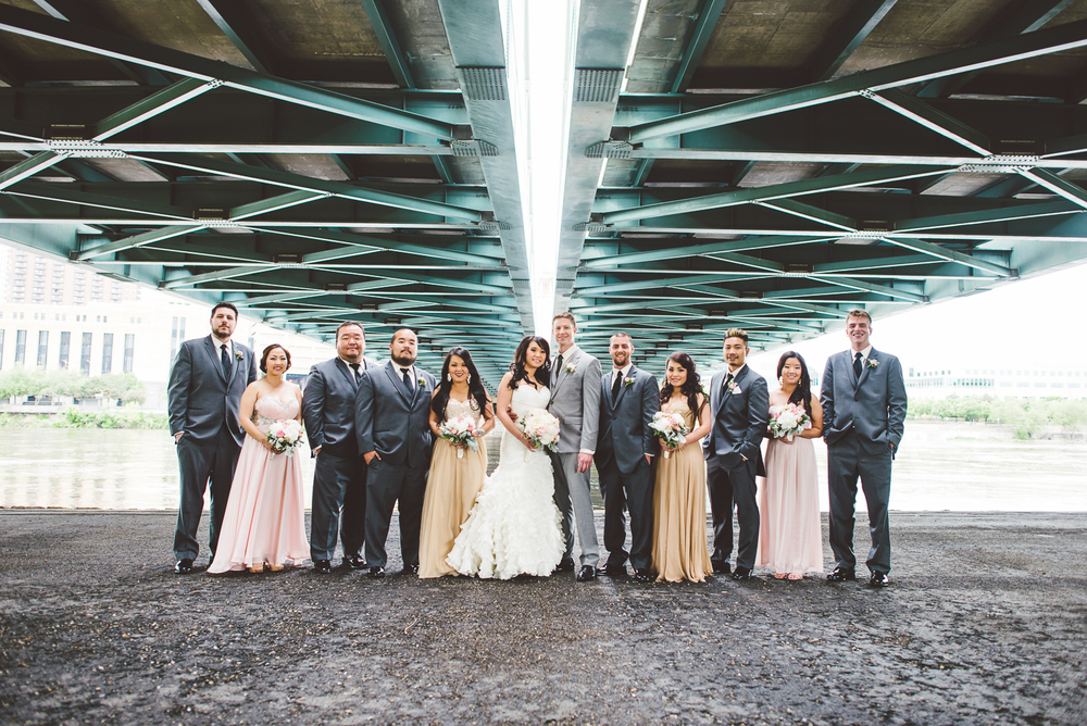 Minneapolis Wedding Photographer Lucas Botz_054.jpg
