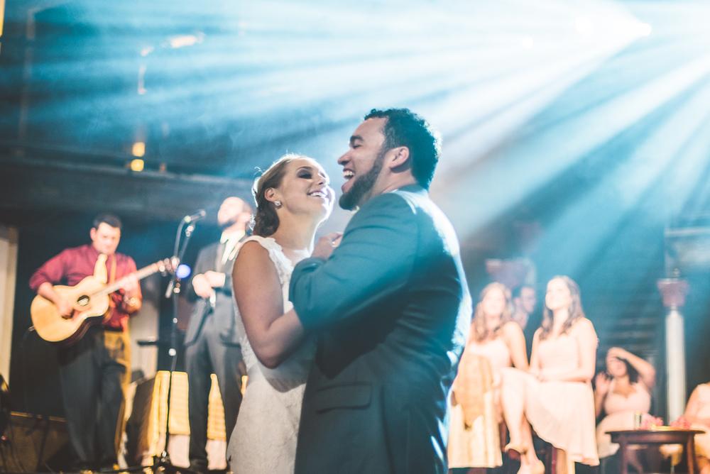 Minneapolis Wedding Photographer Lucas Botz_089.jpg