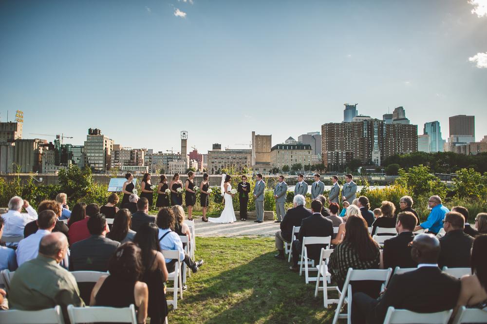 Minneapolis Wedding Photographer Lucas Botz_105.jpg