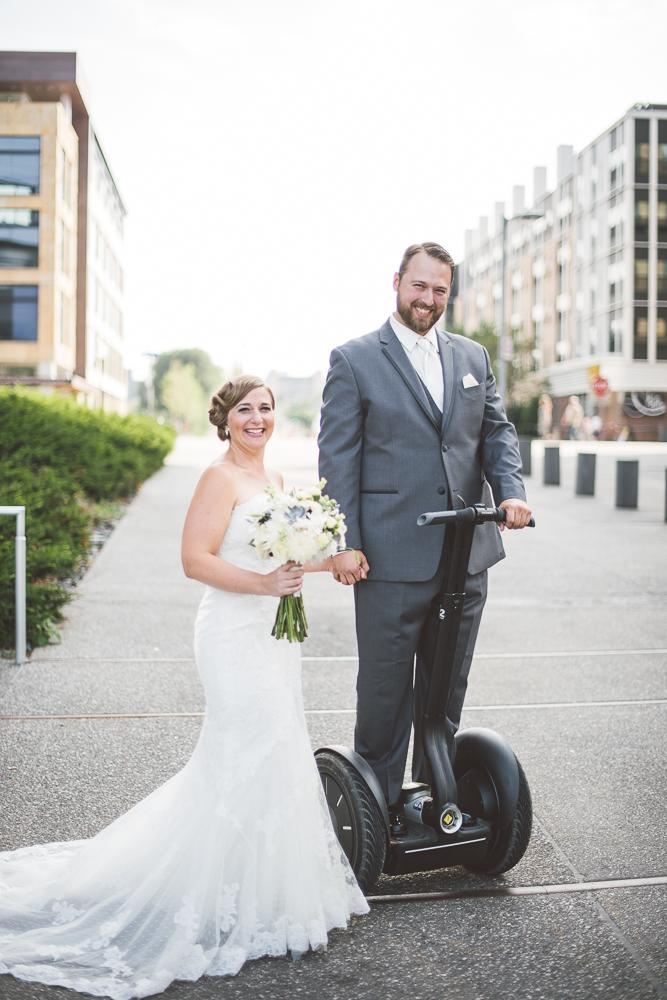 Minneapolis Wedding Photographer Lucas Botz_128.jpg