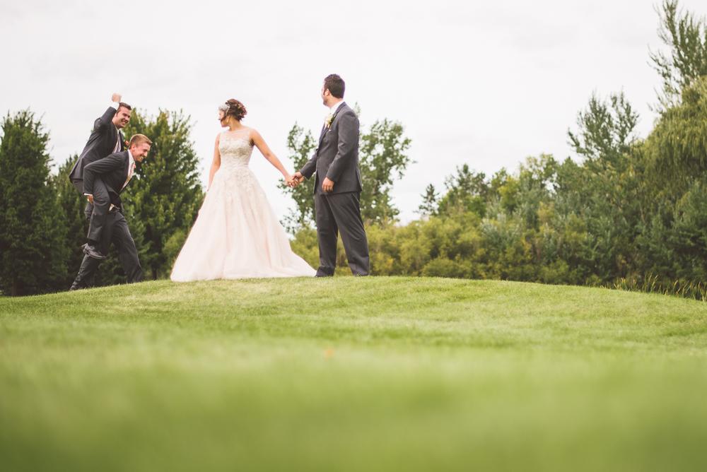 Minneapolis Wedding Photographer Lucas Botz_156.jpg