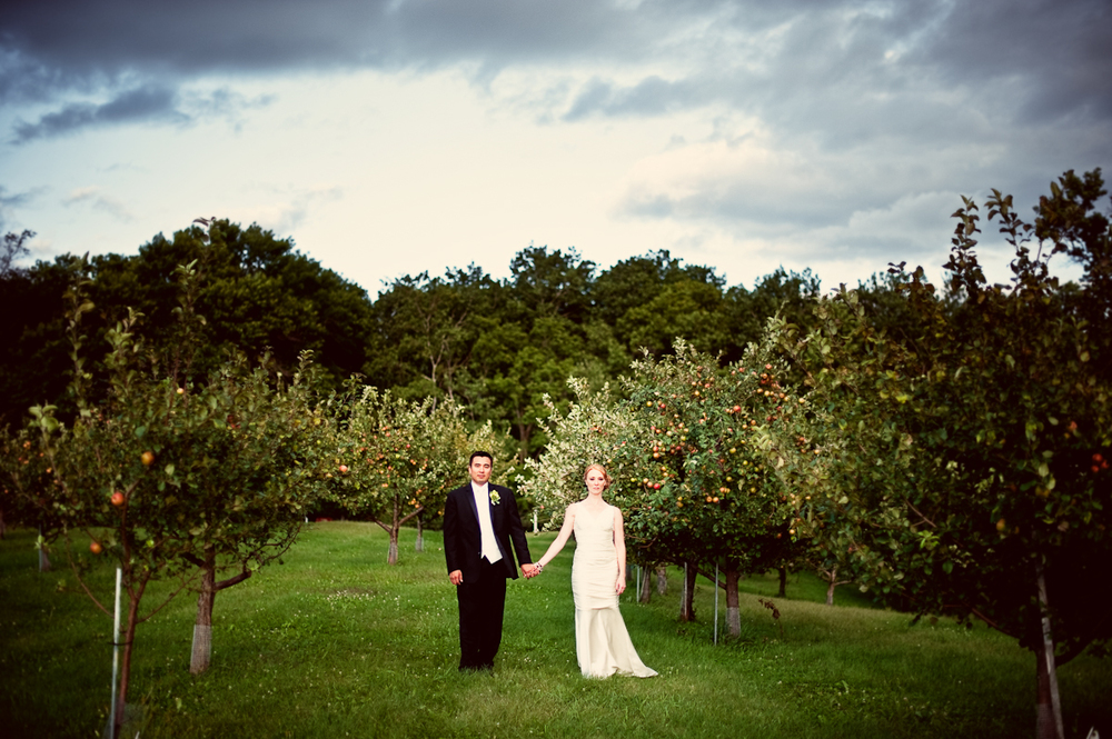 Minneapolis+Minnesota+Wedding+Photographer+Lucas+Botz+Photography+Apple+Orchard_92.jpeg