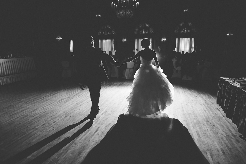 Minneapolis+Minnesota+Wedding+Photographer+Lucas+Botz+Photography+First+Dance_04.jpg