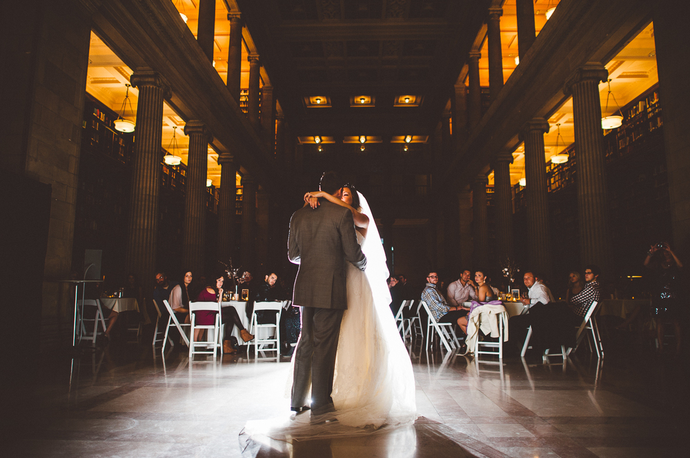 Minneapolis+Minnesota+Wedding+Photographer+Lucas+Botz+Photography+First+Dance_95.jpg