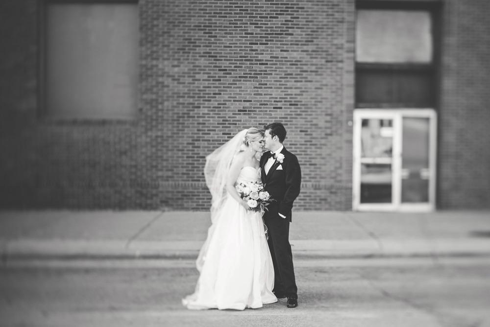 Wedding_Gale_Mansion_Minneapolis_MN_by_Lucas_botz_018.jpg