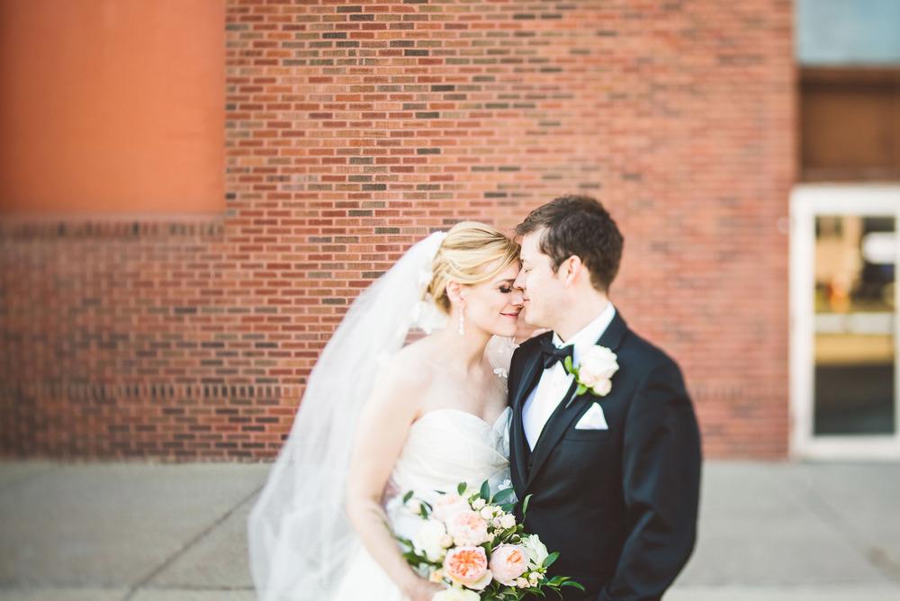 Wedding_Gale_Mansion_Minneapolis_MN_by_Lucas_botz_019.jpg