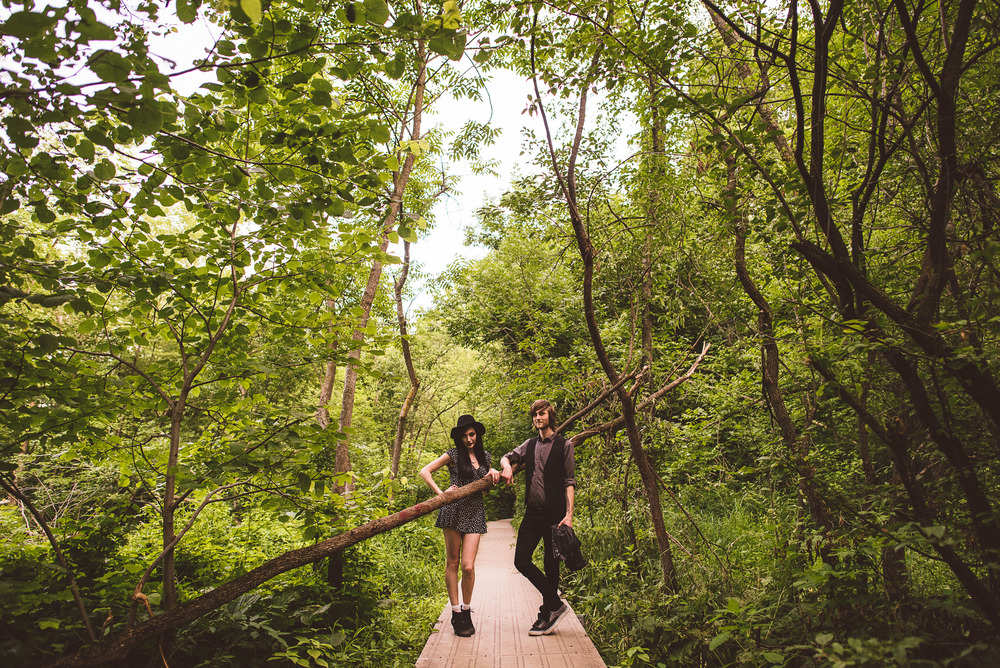 Minneapolis_Minnehaha_Engagement_Session_Tyler_Megan_019.jpg