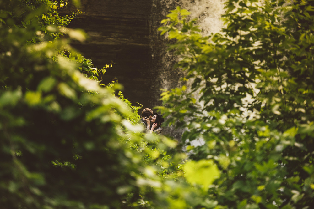 Minneapolis_Minnehaha_Engagement_Session_Tyler_Megan_021.jpg