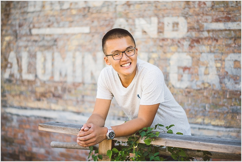 Andy_Senior_Portraits_North_Loop_Minneapolis_by_lucas_botz_photography_26.jpg