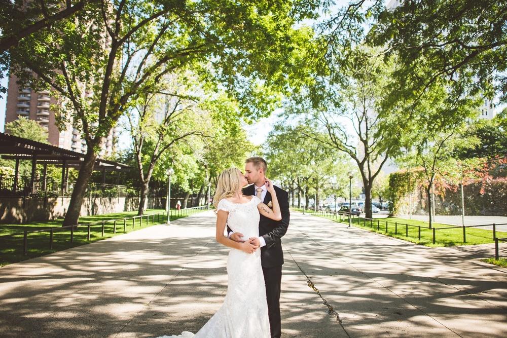 Best_wedding_photos_Minneapolis_minnesota_lucas_botz_photographty_16.jpg