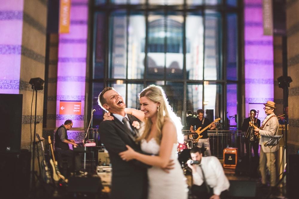 Best_wedding_photos_Minneapolis_minnesota_lucas_botz_photographty_19.jpg