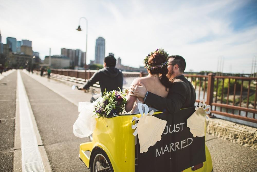 Best_wedding_photos_Minneapolis_minnesota_lucas_botz_photographty_30.jpg