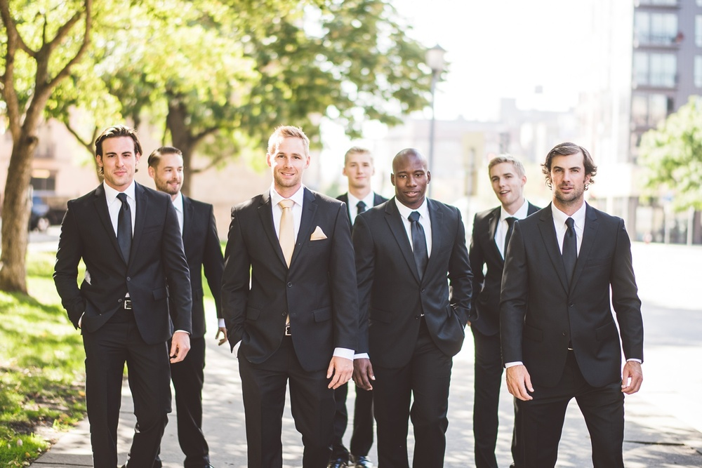 Best_wedding_photos_Minneapolis_minnesota_lucas_botz_photographty_94.jpg