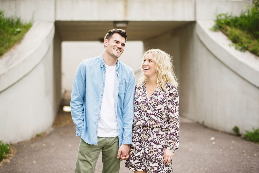 erika_alexa_Minneapolis_cedar_lake_engagement_lucas_botz_photography_0003.jpg