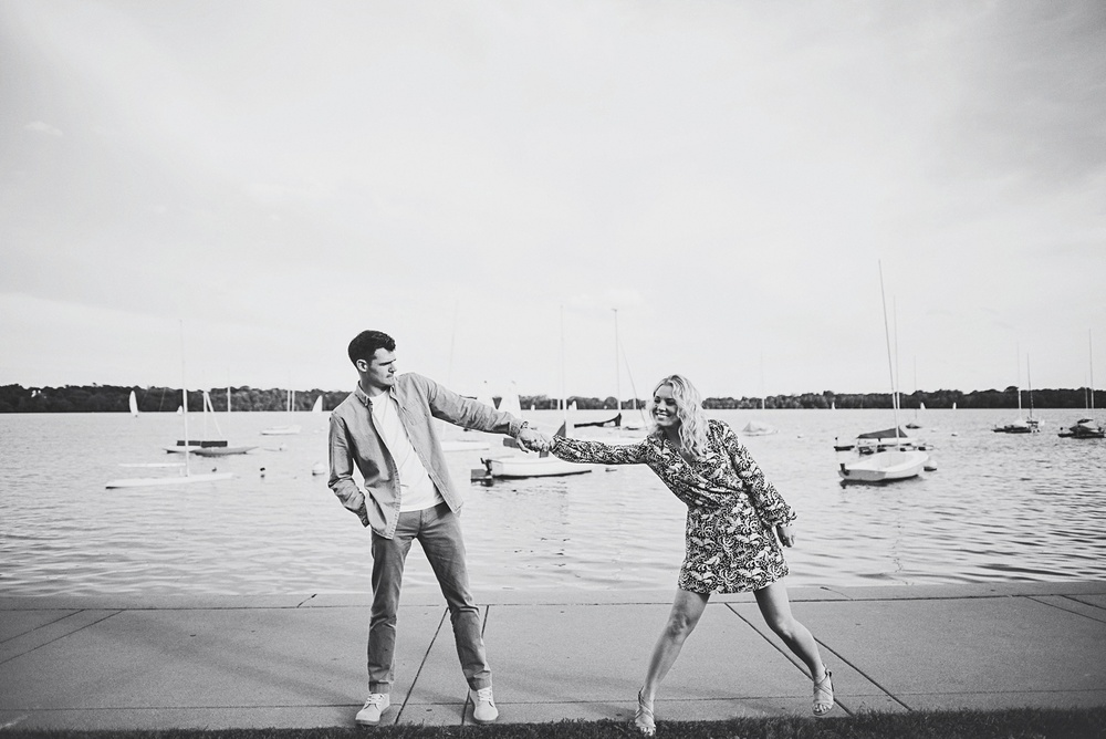 erika_alexa_Minneapolis_cedar_lake_engagement_lucas_botz_photography_0017.jpg