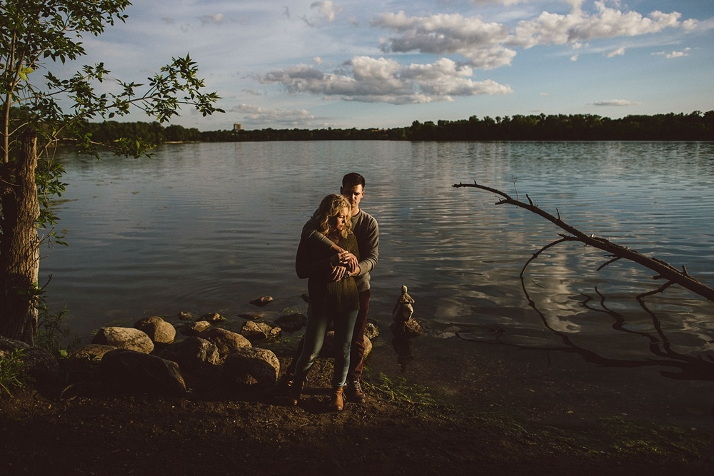 erika_alexa_Minneapolis_cedar_lake_engagement_lucas_botz_photography_0010.jpg