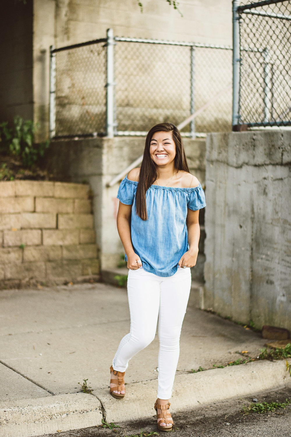 julia_senior_photos_north_loop_minneapolis_lucas_botz_photography_124.jpg