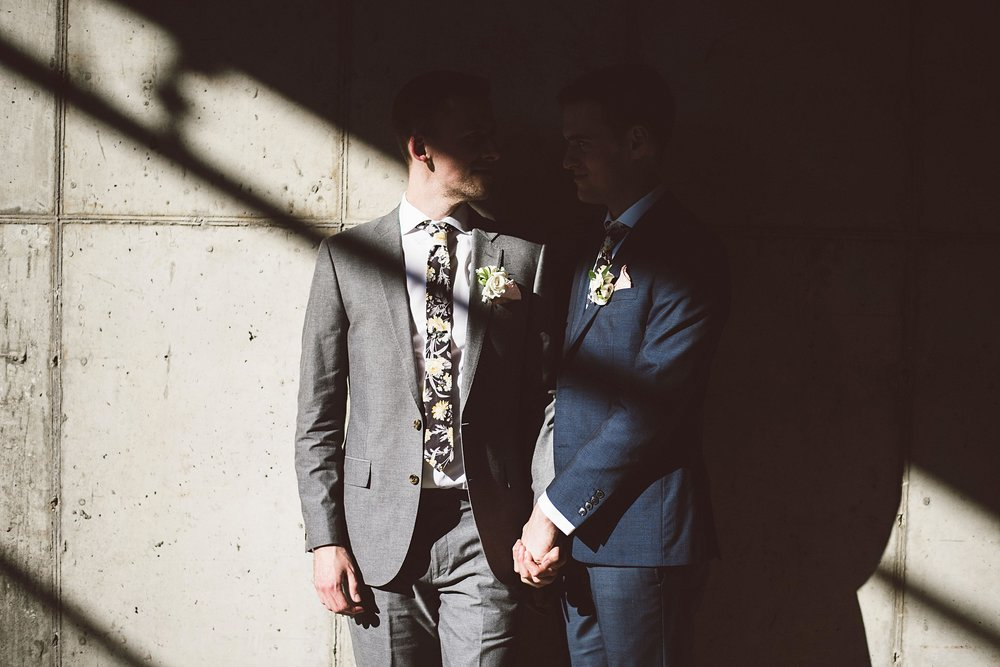 lgbt_wedding_minneapolis_photo_by_lucas_botz_photography_2018-01-04_0008.jpg