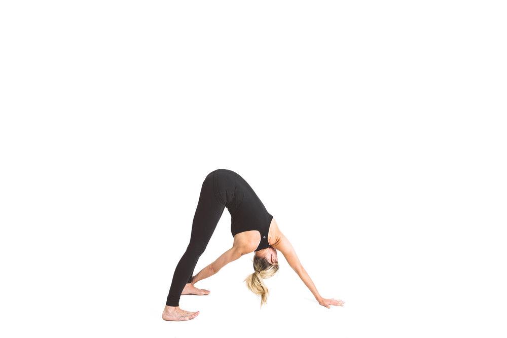 holy_yoga_by_lucas_botz_027.jpg