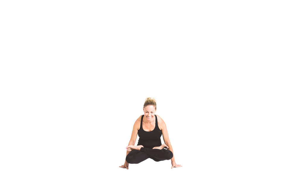 holy_yoga_by_lucas_botz_102.jpg