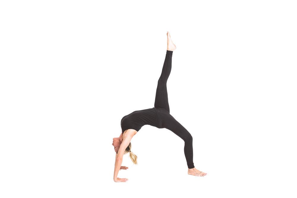 holy_yoga_by_lucas_botz_124.jpg