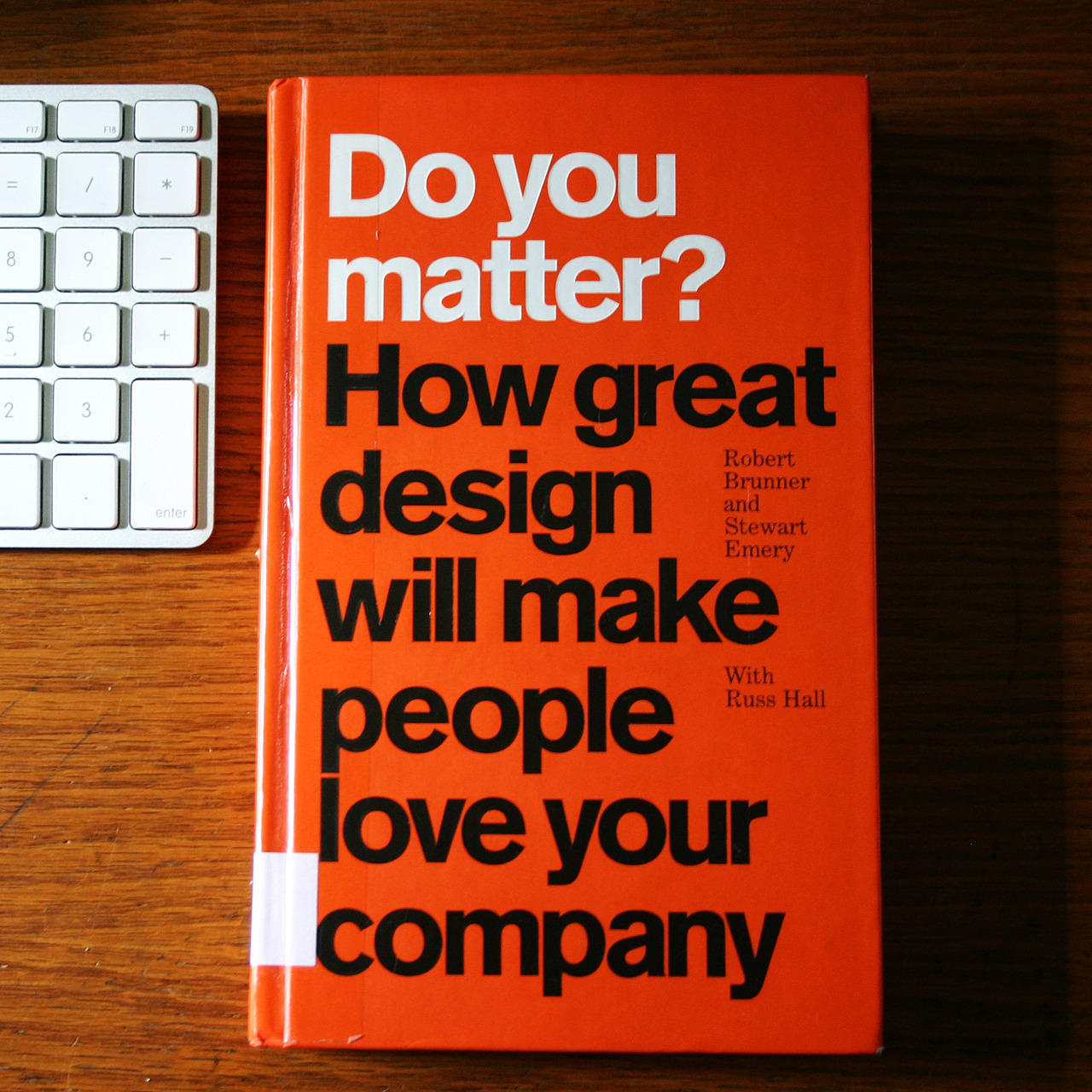 This week's reading: Do you matter? How great design will make people love your company. It's basically a book about how and why Apple gets everything right and countless other companies suck. Rule No.1 in business: Don't Suck. I just received the first series of product photos on white background from Guillaume Simoneau. This Wednesday we'll be photographing the model 500 model on location for a more authentic feel. Stay tuned. www.doyoumatter.com