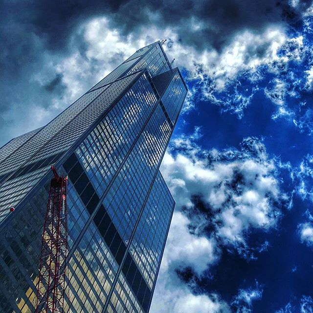 Sears Outlet Store #chicago #searstower #cloudscapes #reflectivebuildings