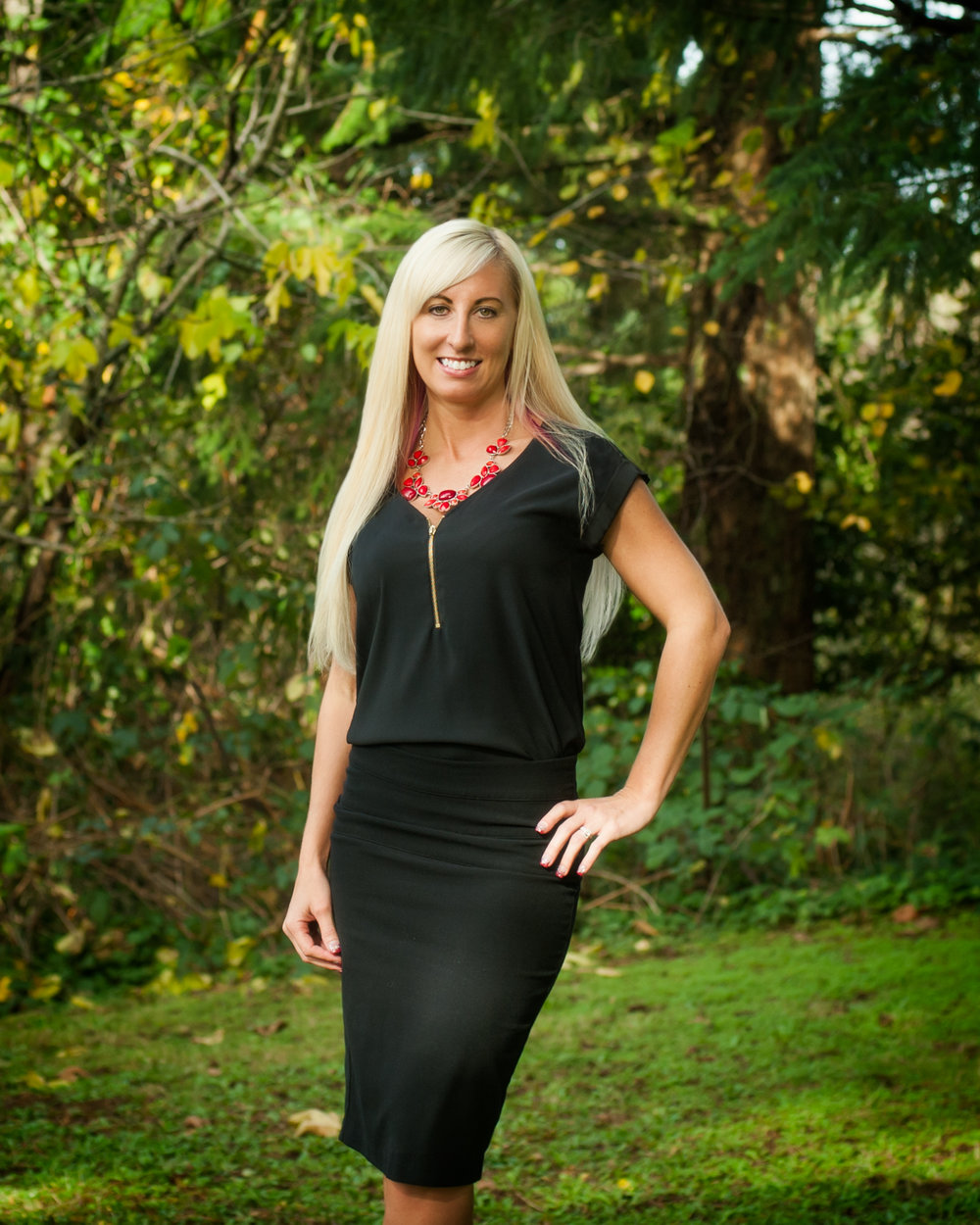 Commercial portrait of realtor by photographers at Ripe Photography in Portland, Oregon.