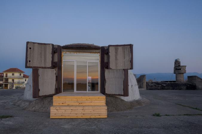 In the seaside town of Tale, university architecture students explored the potential of backpacker accomodations inside the abandoned space.