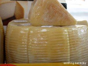 Sapori d'Italia aged goat cheese