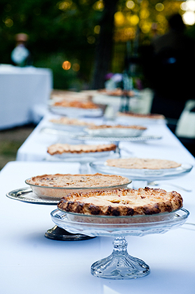 Friends' homemade pies: the ultimate wedding cake!