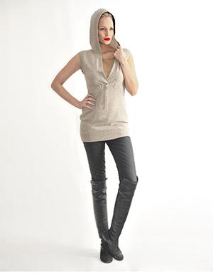 Sleeveless hoodie, oat.jpg