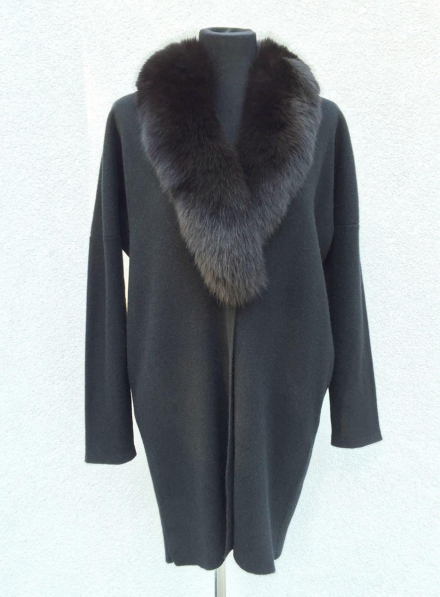fox fur loose coat.jpg