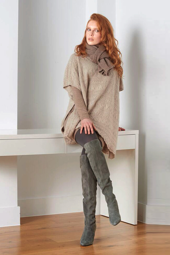 Cable knit SEMON cashmere poncho oat.jpg