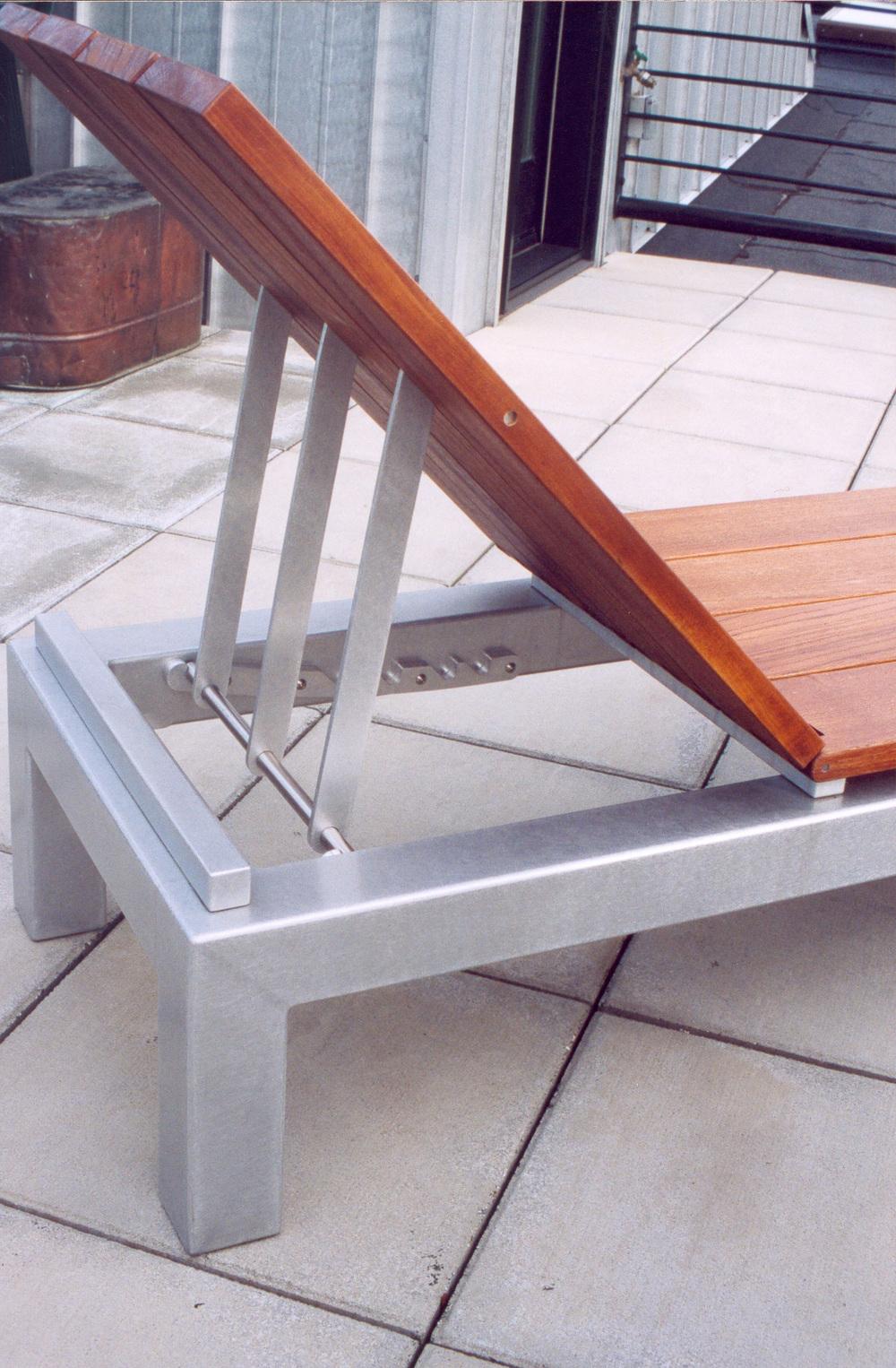 chaise_detail.jpg